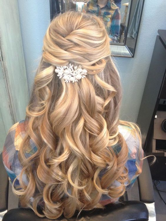half up half down long wavy hairstyle for wedding - Deer Pearl Flowers / http://www.deerpearlflowers.com/wedding-hairstyle-inspiration/half-up-half-down-long-wavy-hairstyle-for-wedding/