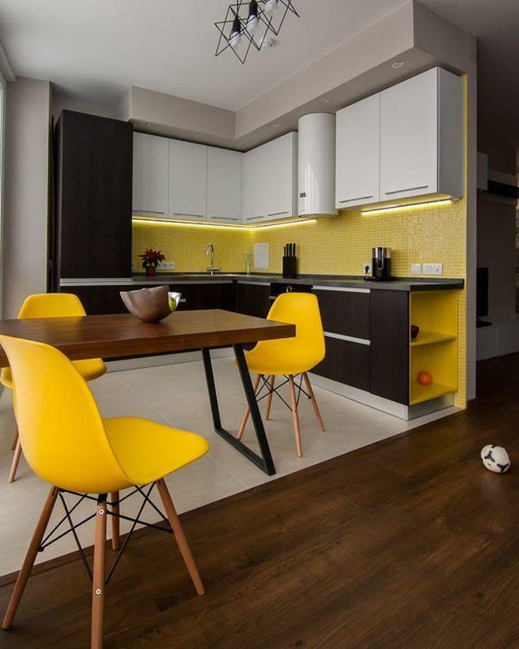 «Кухня и обеденный стол от @studiomanka в сочных летних цветах #studiomanka #furnituredesign…»