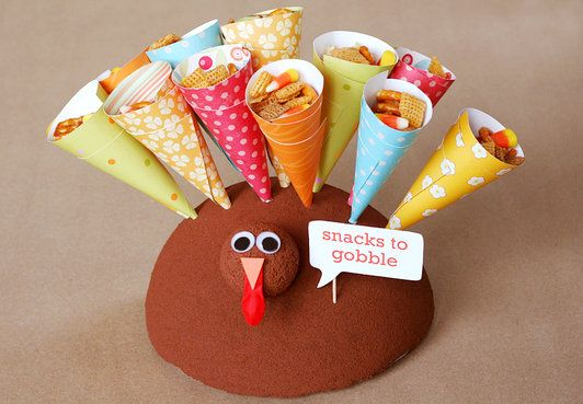 turkey treat cone display: Kids Thanksgiving, Thanksgiving Crafts, Kids Tables, Turkey Treats, For Kids, Turkey Craft, Thanksgiving Snacks, Thanksgiving Tables, Thanksgiving Treats