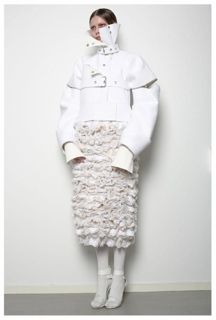 Mode aus dem dekonstruktivistischen Trend mit genialen Ideen