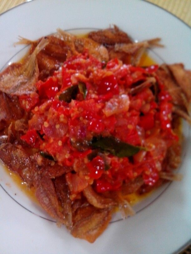 Balado ikan asin-- fried salty fish with padangnese chilli