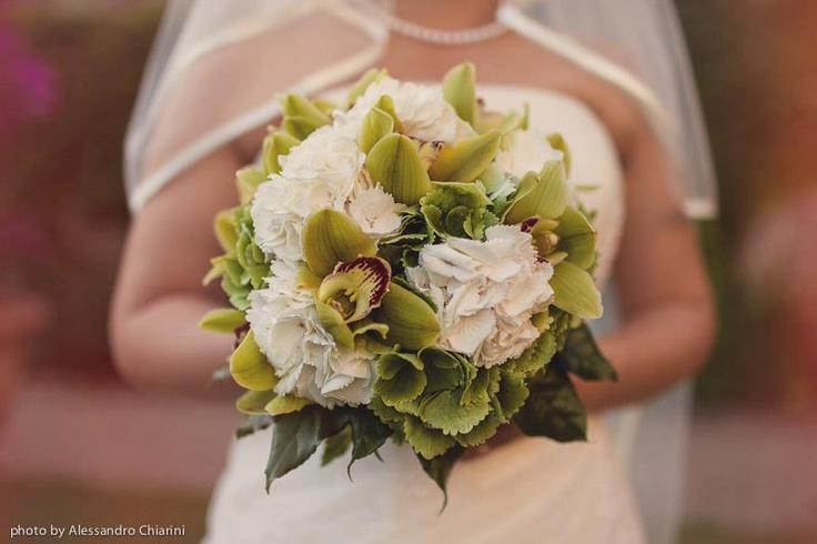 Favorite Wedding Bouquets of 2012 - photos by Alessandro Chiarini destination wedding photographer