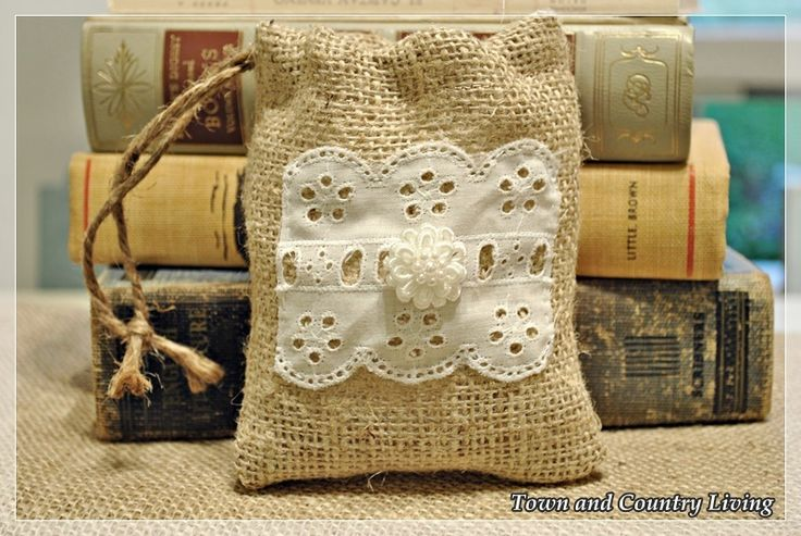 728 best crafts w burlap images on pinterest for Burlap bag craft ideas