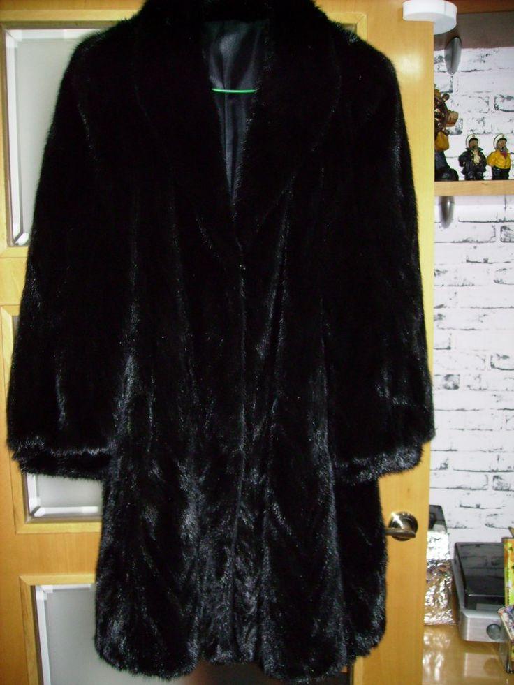 25,00€ · chaqueta de punto hecha en castellon · chaqueta de punto grueso hecha en Castellón regalo gorro con visera color crema claro · Moda y complementos > Ropa de mujer > Abrigos y chaquetas de mujer > Abrigos de mujer > Abrigos de piel de mujer