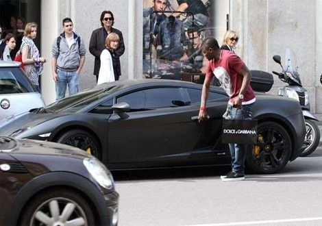 Sulley Muntari Murdered-Out #Lamborghini Gallardo
