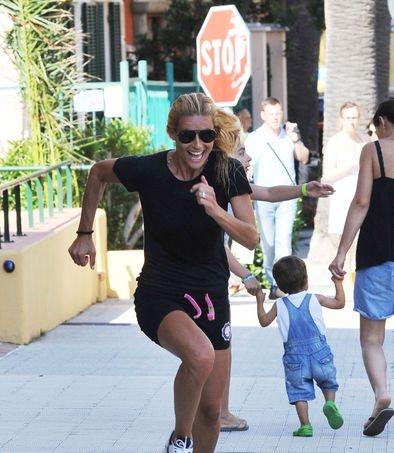 Anche Michelle #Hunziker si prepara per le #Olimpiadi 2012