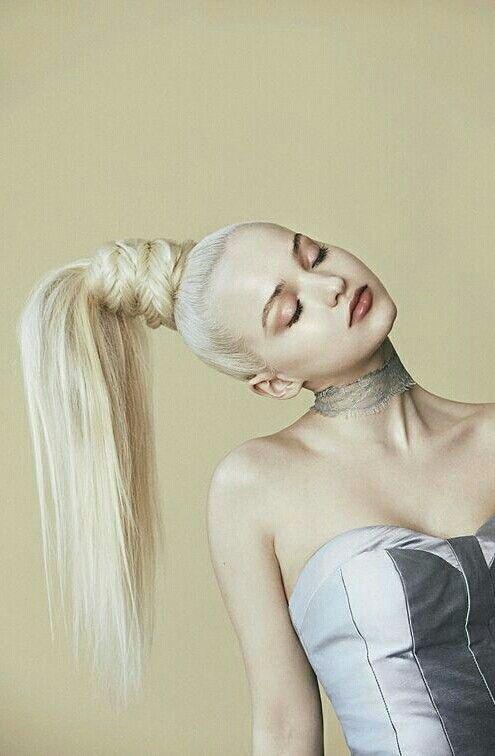 Dove Cameron Prom hairstyles scunci ribbon updo