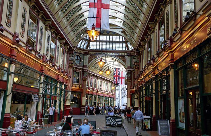 Que tal conhecer um lugar que já foi mercado de carnes no século 14 e hoje em dia funciona como centro comercial? Visite o Leadenhall Market!