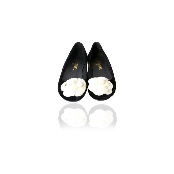 Pre-Owned Chanel black/white Velvet Camellia Ballerina Flats ($599) ❤ liked on Polyvore featuring shoes, flats, black, ballet pumps, black ballet flats, black ballerina flats and famous footwear