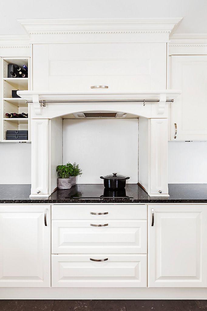 Kjøkken fra Drømmekjøkkenet. Modellen heter Meny. LOCATION: Enebolig Skadberg