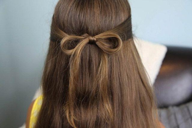 Peinado de primera Comunión con lazo