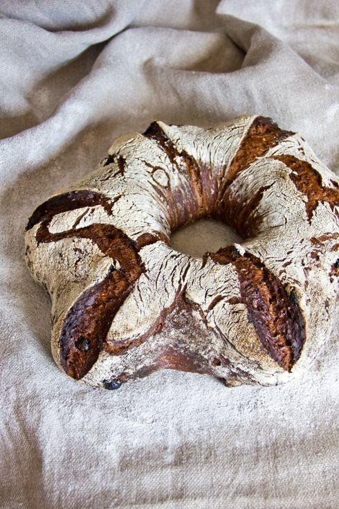 German Christmas Bread with raisins