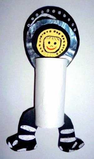 Bastelideen/basteln-Astronaut-Einzelteile-Toilettenrolle