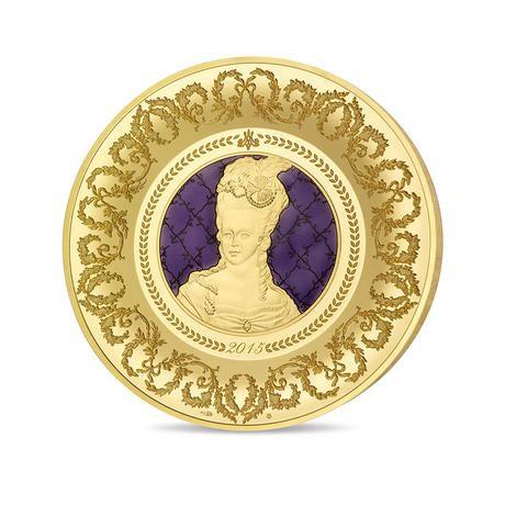 Marie Antoinetta - Exkluzivní zlatá emise inspirovaná keramikou Sévres. Numismat, který vyobrazuje slavnou francouzskou královnu Marii Antoinettu, byl vytvořen ve spolupráci prestižní Pařížské mincovny se slavnou keramikou Sévres, která vznikla již v 18. století. #nabidka #narodnipokladnice