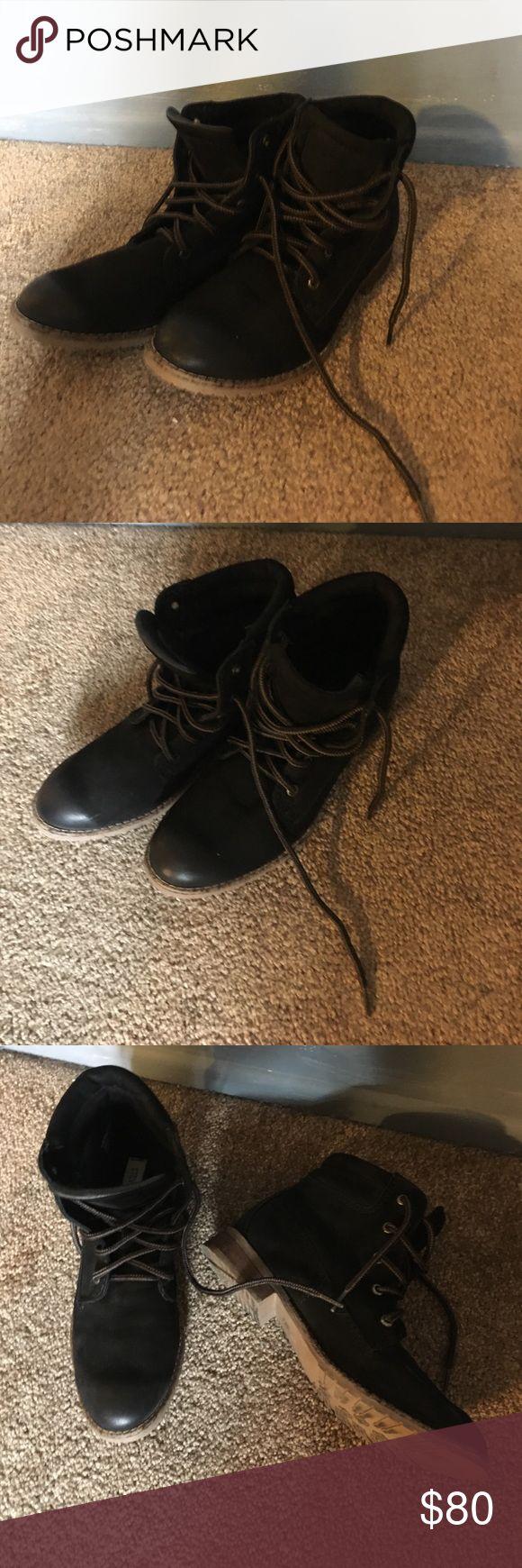 Steve Madden black boots! Cute black Steve Madden boots!! Steve Madden Shoes Ankle Boots & Booties