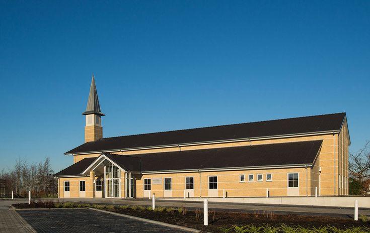 Nieuwbouw kerkgebouw voor de Kerk van Jezus Christus van de Heiligen der Laatste Dagen. Elf jaar na het voltooien van de The Hague Temple in Zoetermeer,iser nu ook een kerkgebouw/ontmoetingsplaats in Zoetermeer gerealiseerd. Dit bijzondere pand is opgeleverd in het laatste kwartaal van 2013.