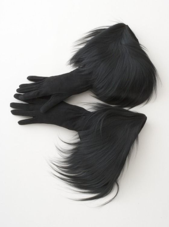♥ Schiaparelli gloves - NEED! ♥