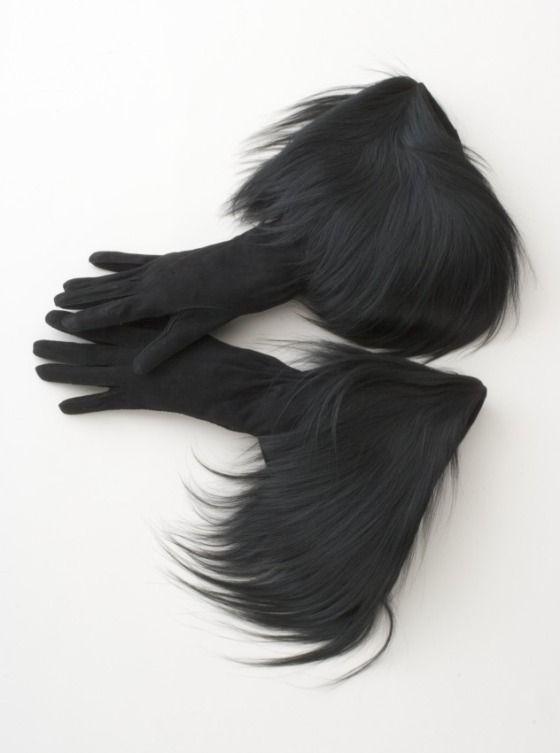 ♥ Schiaparelli gloves - NEED! ♥