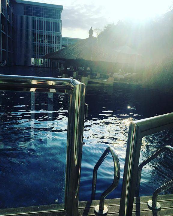 Sunset swims  @mantrasakala #bali #balilocal #love #travel #jetsetter #nusadua #beautiful #summer #holidays #sun #bikini #pool #chasethesun #wanderlust #happydays #bliss #paradise #cocktails #thisisbali Hotels-live.com via https://inst