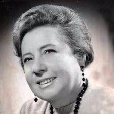 Clara Solovera es una de las principales creadoras de la música típica chilena. Suya es esta clásica ''Chile lindo'' (1948), canción que encabeza la lista de himnos costumbrista de las tonadas chilenas, además de ''Mata de arrayán florido'' (1948), ''Manta de tres colores'' (1956), ''Álamo huacho'' (1963), ''Te juiste pa' ronde'', o ''Huaso por donde me miren'', parte del repertorio que hace de ella una de las más prolíficas fuentes para la tonada.