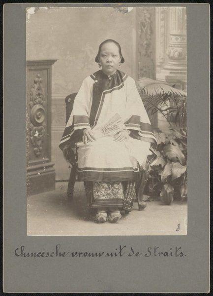 Chinese vrouw uit de Britse kroonkolonie Straits Settlements, Medan, Sumatra, Indonesië (1898-1915)