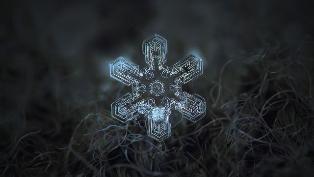 Snowflake ultra HD wallpaper: Alioth