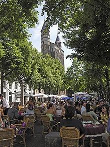 Onze-Lieve-Vrouweplein #Maastricht