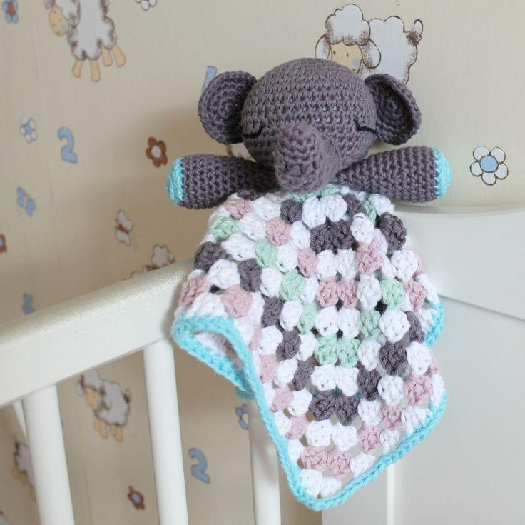 Elephant Snuggle baby lovey on missneriss.com - free pattern