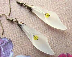 Pendientes de flor blanca pendientes de por HappyEverythingElse