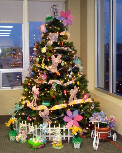 Decorate Christmas Tree For Easter : Easter tree eastertime
