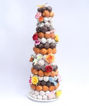 It's easy. It's beautiful. It's made of donuts. In other words: It's your dream come true.