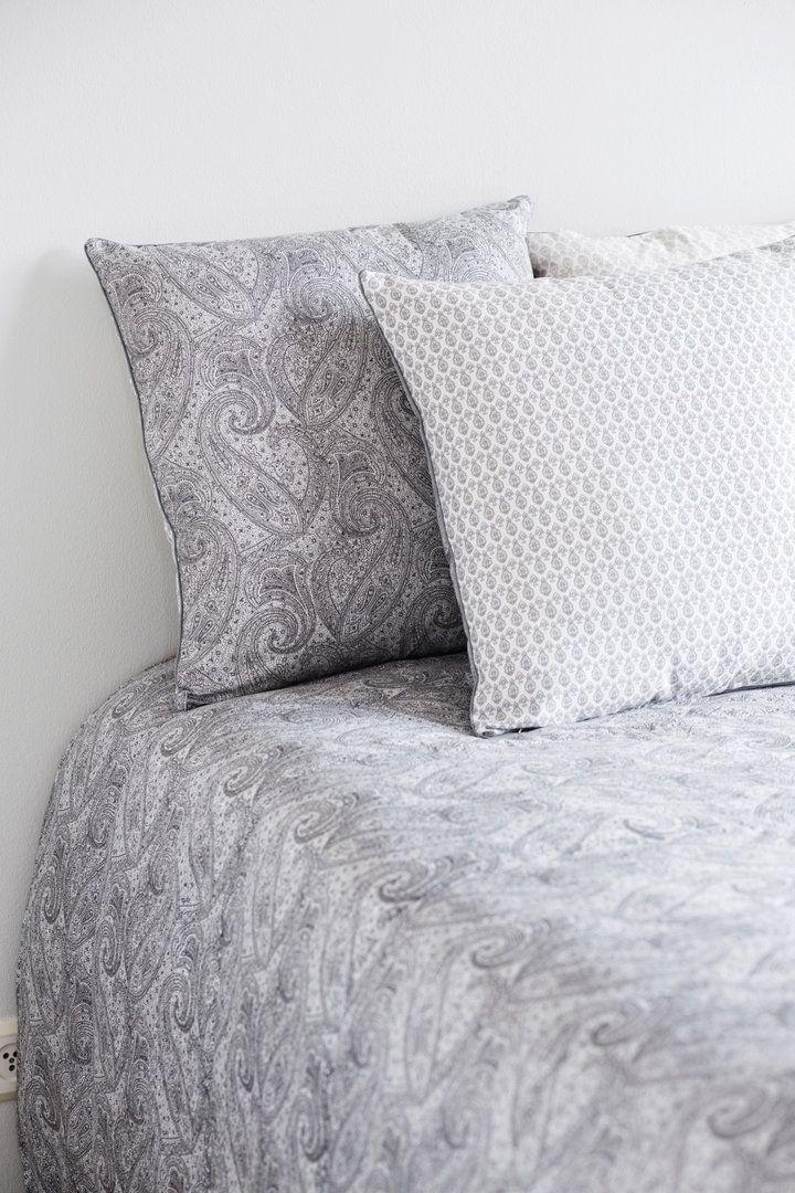 PETRA grafiitti #lennol #spring #paisley #bedspread #cushion
