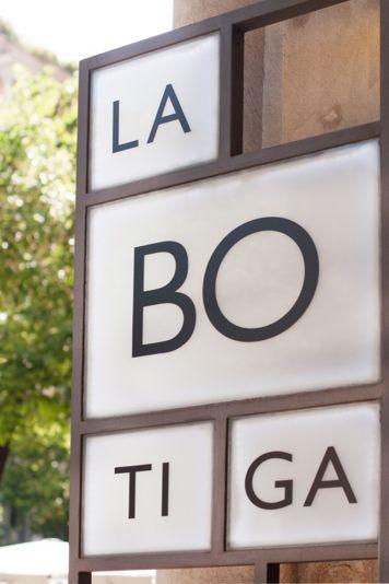 Nueva imagen para el restaurante La Botiga una clásico de la ciudad condal, creando un espacio con identidad propia que asemeja al clásico colmado.