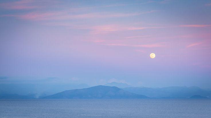 Pink Sunset - Moon Rise - #corfu #kerkyra #ionianislands #greece #greeceislands  #travel #traveller  #traveling #tourism #tourist #landscape #landscapes #photography #photographer #sky #stylianosphotography #mountains #moonlight #pinkmoon #corfuartphoto #corfuounesco #unescocorfu #unescohellas
