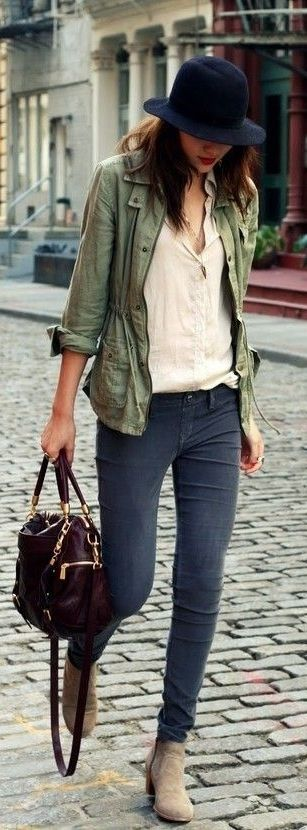 Beige top, green jacket, navy skinnies and suede booties.