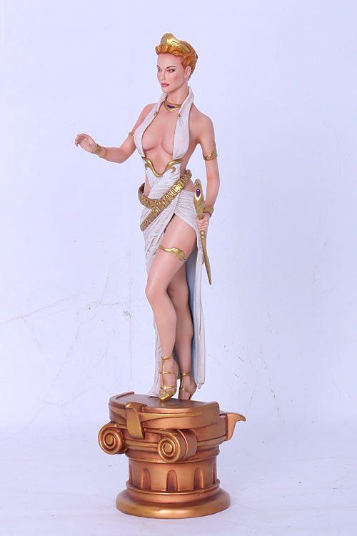 Estatua Diosa Hera 38 cm. Fantasy Figure Gallery, Web Exclusive. Ilustrador Wei Ho. Escala 1:6. Yamato  Preciosa y a la vez espectacular esta estatua de la legítima esposa de Zeus de 38 cm de altura, fabricada en poliresina de alta calidad, 100% oficial y licenciada, en una Web Exclusive.