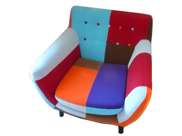 fauteuil patchwork lulea original en tissu assembl multicolore et ses pieds en bois fauteuils