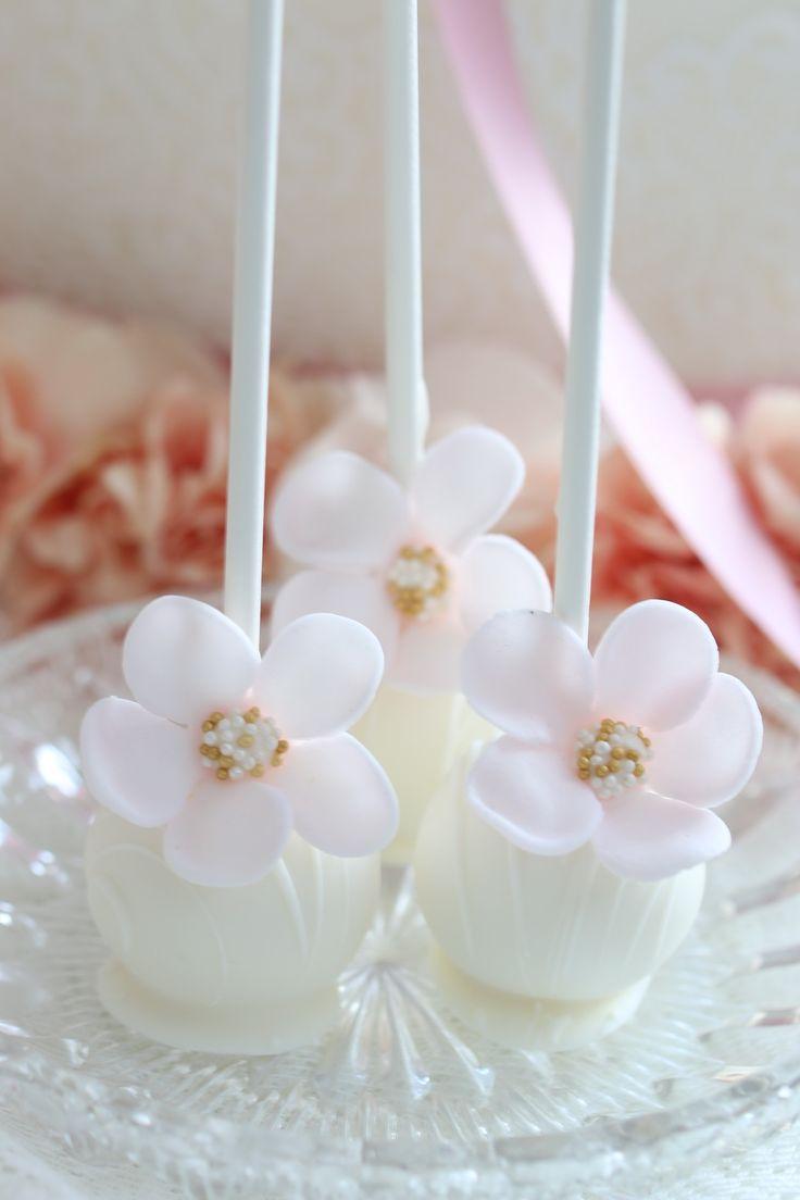 KUCHENmitSTILat white soft pink up side down