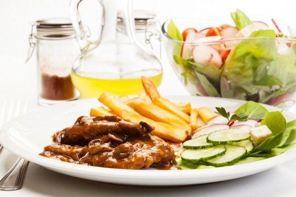 Стейк по-бургундски, ссылка на рецепт - https://recase.org/stejk-po-burgundski/  #Мясо #блюдо #кухня #пища #рецепты #кулинария #еда #блюда #food #cook