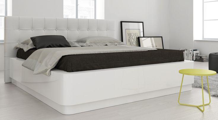 Luxusní ložnice LAURA je svěží kombinací bílého laku ve vysokém lesku a prémiové…