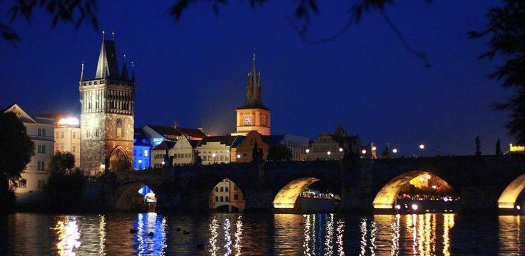 Conocer la ciudad de Praga en otoño - http://www.absolutpraga.com/conocer-la-ciudad-de-praga-en-otono/
