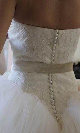 Vera Wang Kate Hudson/ Bride Wars 2 find it for sale on PreOwnedWeddingDresses.com