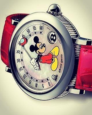 REPOST!!! would love to have this piece @....... Gerald Genta Disney Collection .... #geraldgenta #watch #audemarspiguet #watches #watchporn #luxurywatches #timepiece #hodinkee #watchoftheday #nautilus #wristshot #watchesofinstagram #watchcollector #luxu