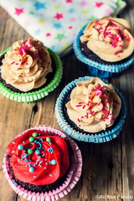 Love to Cook: Cupcakes σοκολάτας με φιστικοβούτυρο