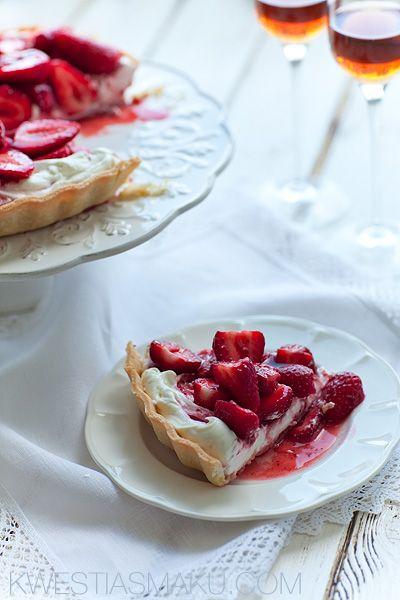 Ciasto z truskawkami. Przepis na kruche ciasto na tartę