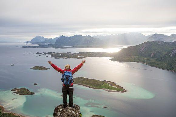 Wenn Sie wandern und einzigartige Natur erleben möchten, sollten Sie den Rucksack packen, die Wanderstiefel schnüren und durch Norwegen streifen. Ein Genuss für jeden Outdoor-Fan!