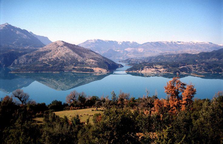 Η μαγευτική λίμνη Κρεμαστών! http://diakopes.in.gr/the-experts-way-blog/article/?aid=209934 #travel #greece