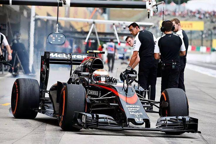 #mclarenhonda #mclaren #formula1 #f1 #japan #japangrandprix #jensonbutton @jenson_ichiban