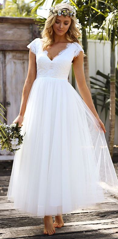 2018 Summer Beach Wedding Dresses A-Line V-Neck Cap Sleeve Open Back Tulle Bridal Gowns with Lace