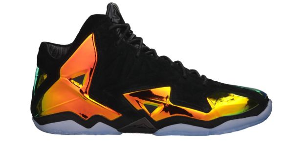 Nike LeBron 11 EXT Kings Crown Drops 7/4 | Kix and the City